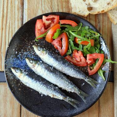 Sardinas asadas en el microondas, receta lista en un minuto, sin olores y con un resultado estupendo