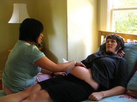 Se presenta la primera guía de asistencia al parto en casa