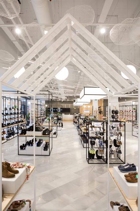 Así es la primera tienda 'for&from' de Inditex en Madrid: todo corazón
