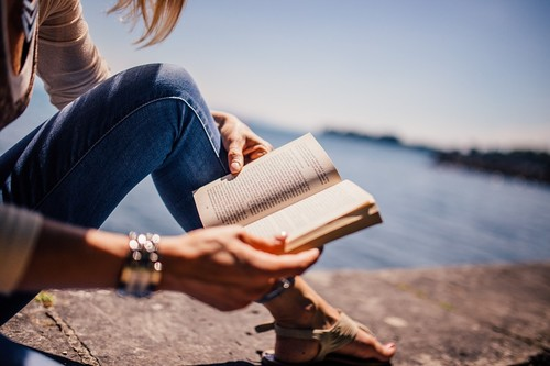 Amor a primera línea: 11 libros para engancharse y leer del tirón