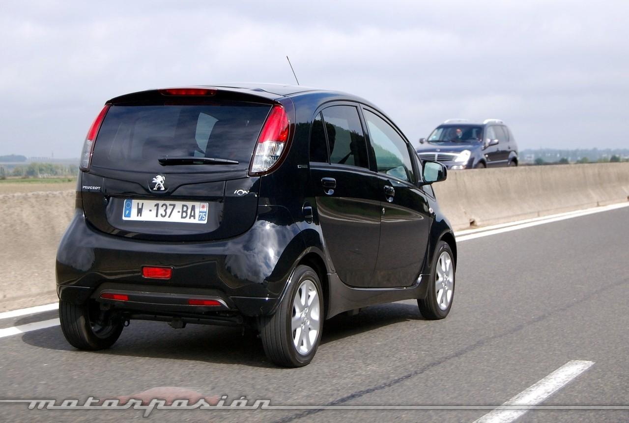 Foto de Peugeot i0n (presentación) (14/50)