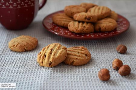 Galletas de avellanas con mantequilla de cacahuete y avena