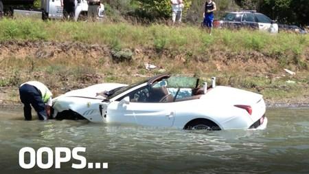 Dolorpasión™: La prueba de conducción de un Ferrari California acabó en el agua