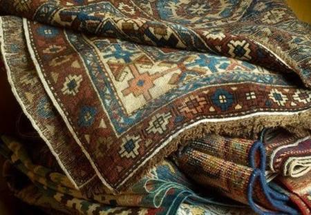 10405273-variedad-de-antiguas-alfombras-orientales