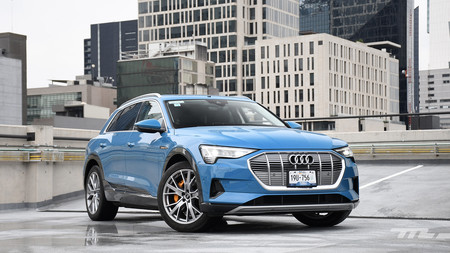 Audi e-tron, a prueba: un gadget gigante en forma de SUV eléctrico (+ video)