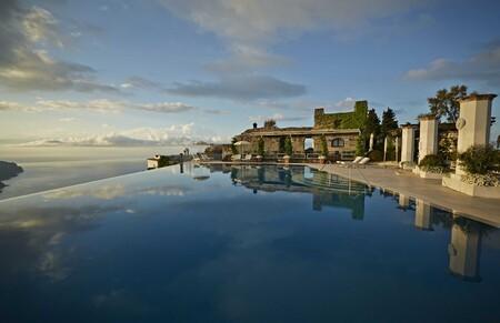 Hoteles piscina infinita acantilado