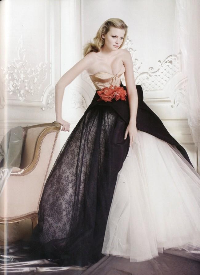 Lara Stone es la mujer del año para Vogue UK