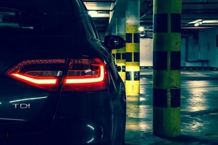 La media de emisiones de CO₂ en los coches generalistas es superior a la de los premium. Y es un problema