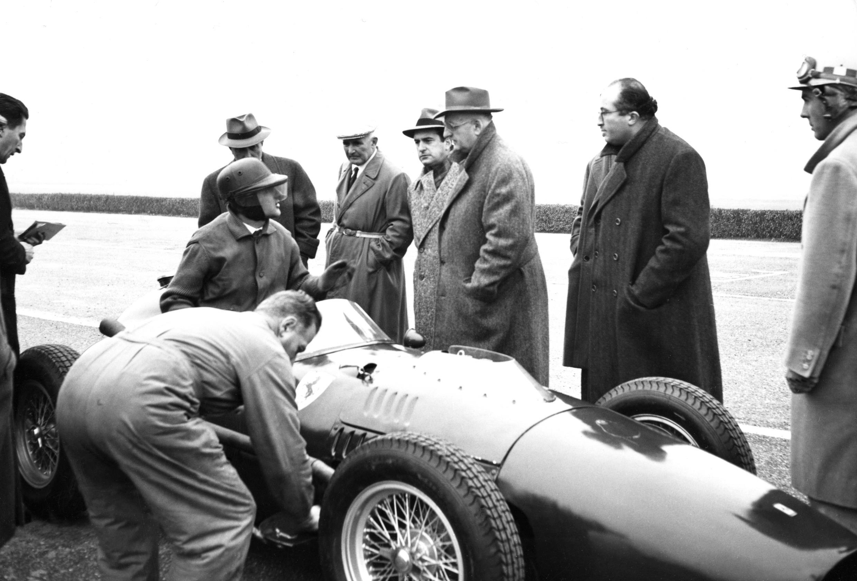 Foto de Enzo Ferrari cumpliría 120 años (4/8)
