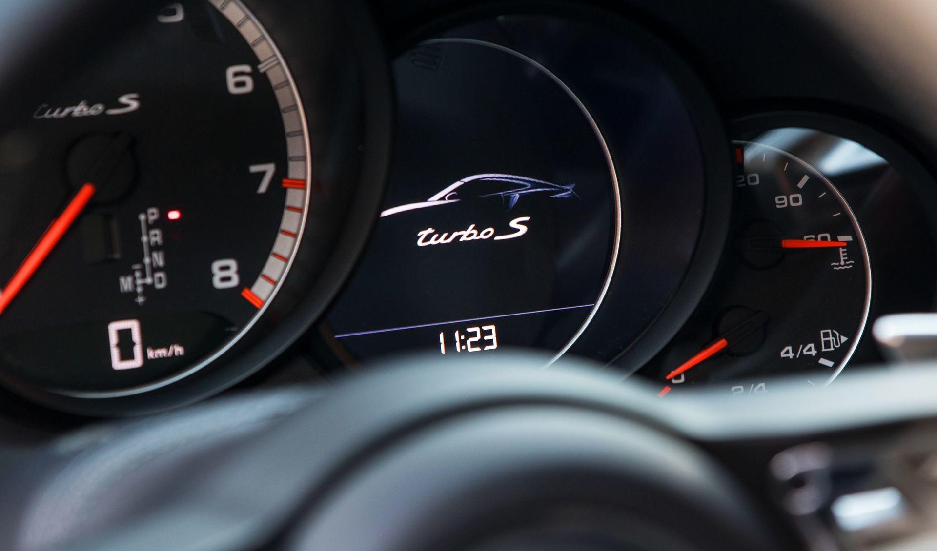 Foto de Porsche 911 Turbo S Blue Arrow (22/25)