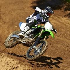 Foto 38 de 42 de la galería nueva-kawasaki-kx450f-2013-de-la-experiencia-del-ama-supercross-y-motocross-a-tu-garaje-accion en Motorpasion Moto