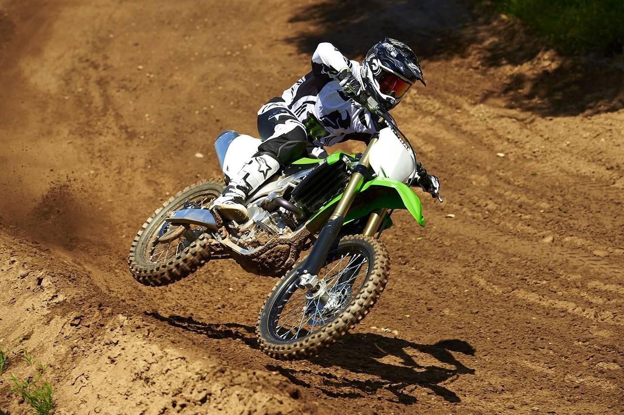 Foto de Nueva Kawasaki KX450F 2013: de la experiencia del AMA Supercross y Motocross a tu garaje (Acción) (38/42)
