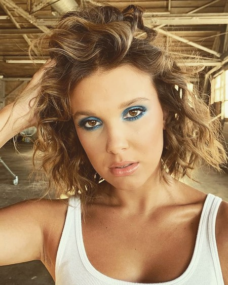 Nueve formas de lucir en nuestro maquillaje el Classic Blue, el color del 2020 según Pantone, inspirándonos en las celebrities