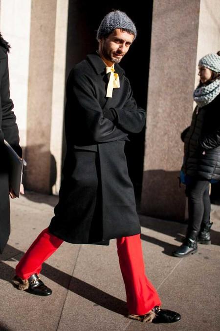 El Mejor Street Style De La Semana Los Mules Desplazan A Los Mocasines Como El Calzado Clave De Verano 05