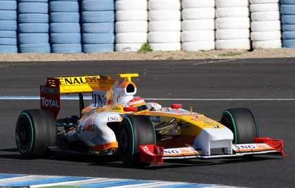 Fernando Alonso toma el mando en Jerez