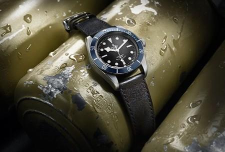 Relojes en el agua y en tierra firme