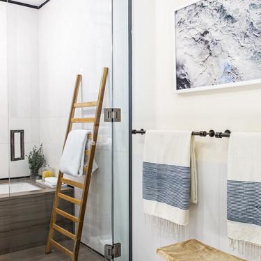 15 accesorios bonitos para el cuarto de baño que ayudarán a mantenerlo ordenado y bien recogido fácilmente