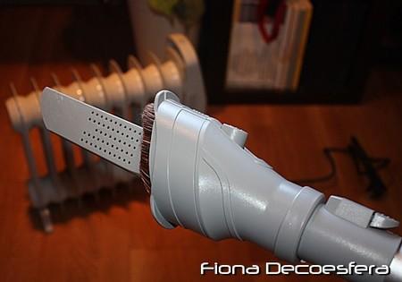 Cepillo 2 en uno y boquilla para espacios estrechos