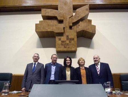 La nueva Mesa del Parlamento Vasco suspende la compra de tablets