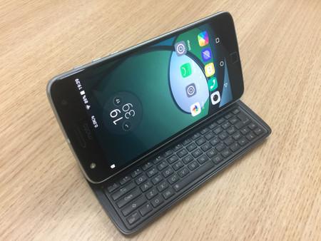 Con el nuevo Moto Mod teclado QWERTY el Moto Z parecerá un Motorola Droid