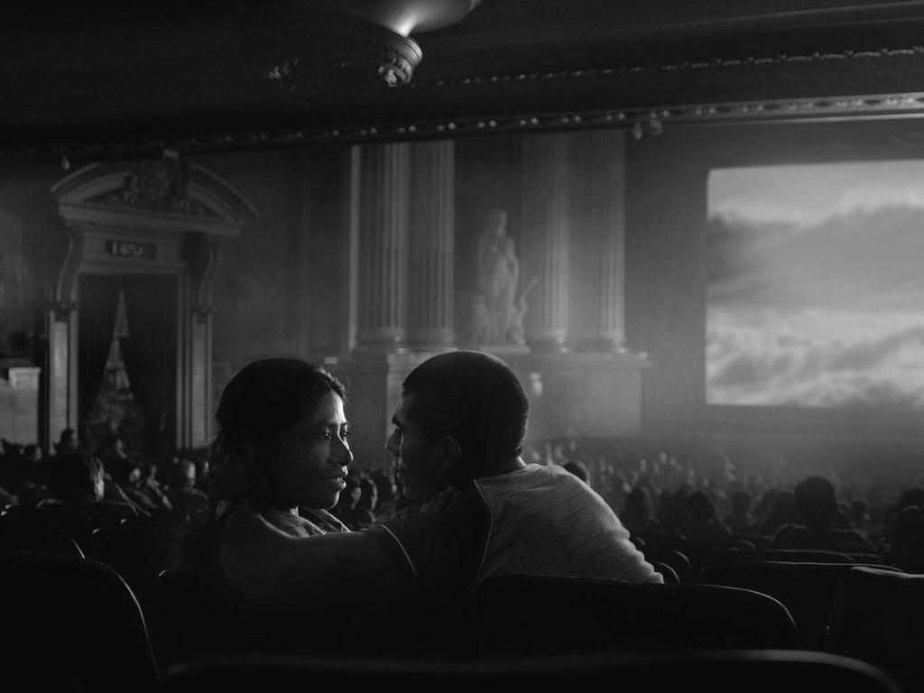 Netflix acusa a los cines de ignorar a los espectadores al hacerles esperar
