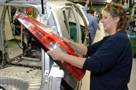 Mitsubishi se deshace de NedCar por 1 euro