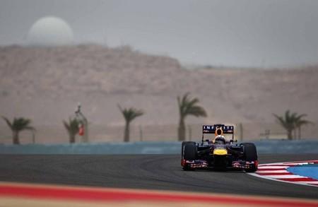 Sebastian Vettel gana en una carrera que se le puso de cara