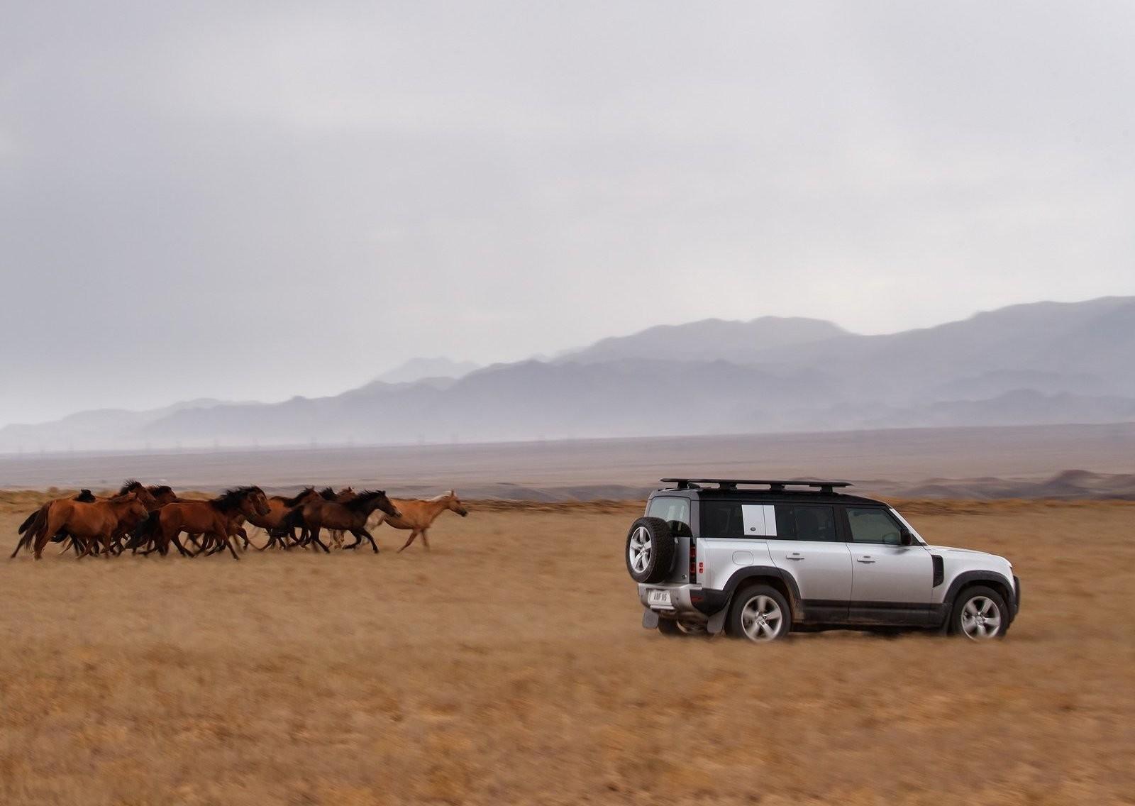 Foto de Land Rover Defender 2020 (55/60)