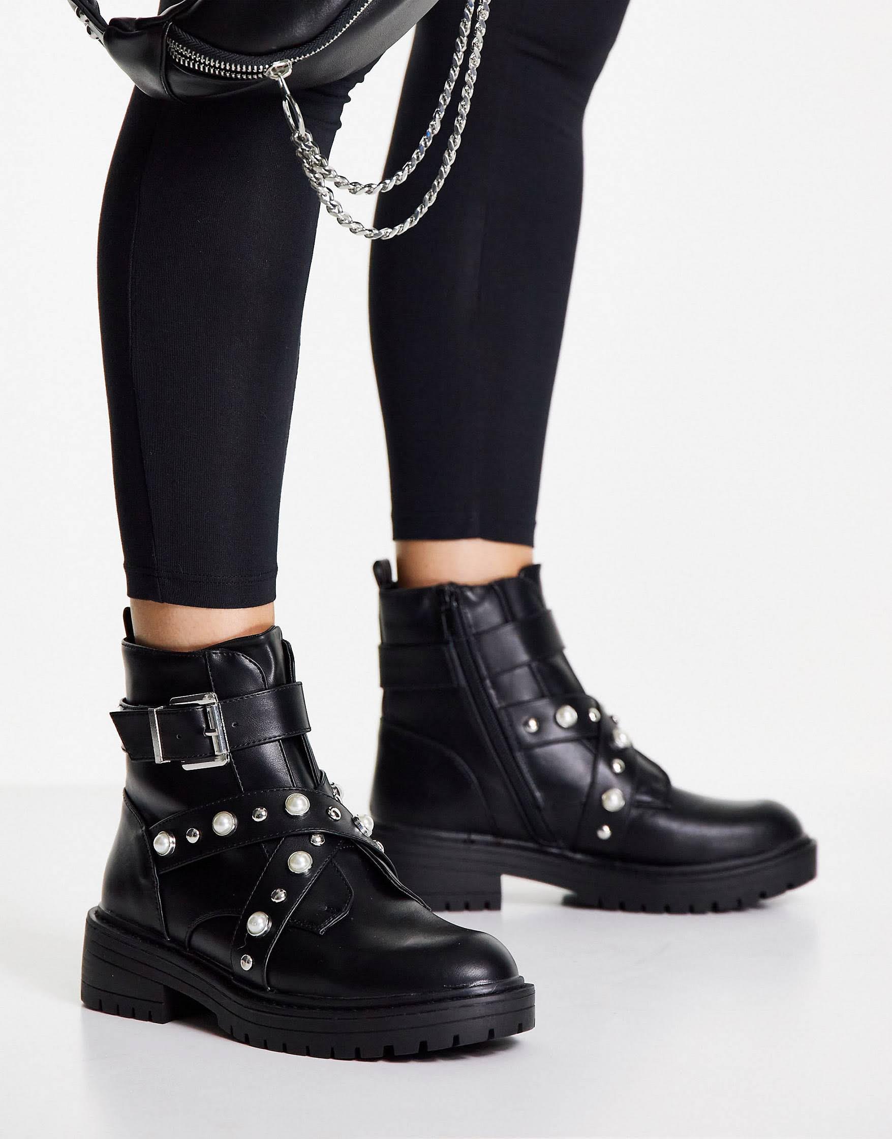 Botas negras con tachuelas de perlas de New Look