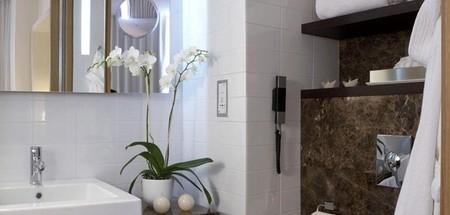 Hotel Meliá Me Madrid detalle baño Modern room en Decoesfera