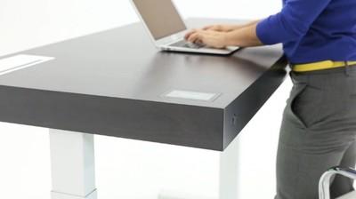 Stir Kinetic Desk, la mesa que se adapta a tu posición de trabajo