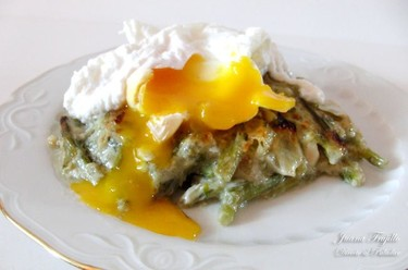 Huevos escalfados con tagarninas. Receta