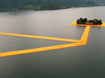 Christo anduvo sobre las aguas, del Lago Iseo, y quiso que tú también pudieras hacerlo