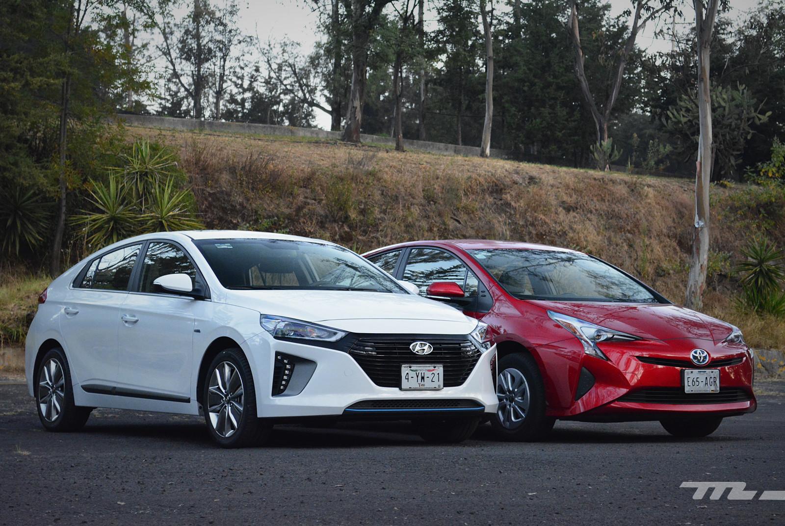 Foto de Hyundai Ioniq vs. Toyota Prius (4/22)