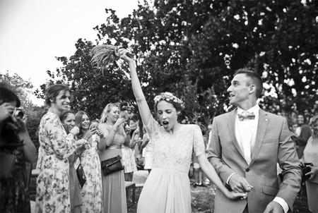 Cinco maneras distintas de llevar un vestido de novia en manga corta