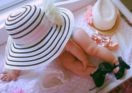 Bebé con tacones