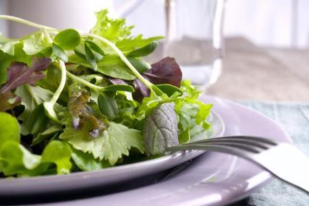 Hojas verdes: sus propiedades y cómo sacarles mayor provecho en la cocina