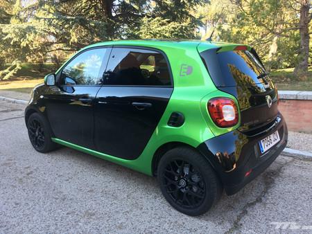 Smart Forfour EQ trasera verde y negro