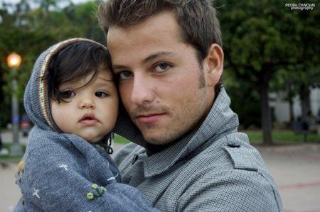 La mayoría de los padres se consideran igual de implicados que la madre en el cuidado del bebé