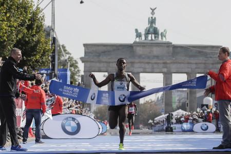 Aumentar la frecuencia de zancada para correr más rápido: el ejemplo de Bekele