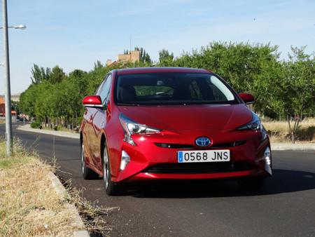 Toyota Prius 2016, probamos el consumo del híbrido en carretera (y nos vuelve a ganar)