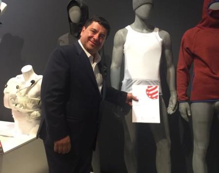 Colombiano gana premio internacional por su Armor T-Shirt, una ligera camiseta antibalas