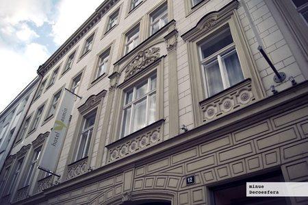 Hotel Yasmin en Praga, diseño en un edificio centenario