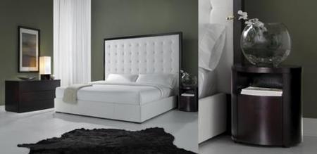 Cabecero blanco en una cama con glamour