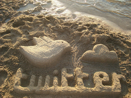 El pájaro acabó volando muy alto: Twitter sube un 73% en su estreno y vale 24.500 millones