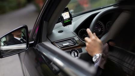 Con esta calculadora Uber quiere mostrarnos si es más barato, o caro, usar un auto propio o su servicio
