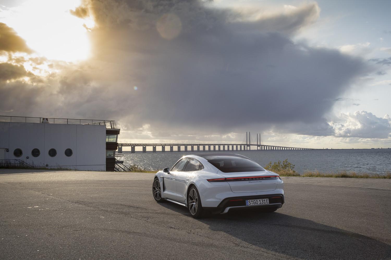 Foto de Porsche Taycan prueba contacto (8/275)