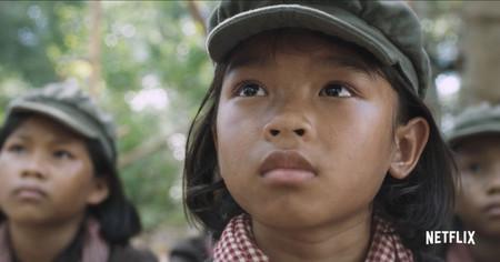 Tráiler de 'Se lo llevaron: recuerdos de una niña de Camboya', el polémico drama de Angelina Jolie para Netflix