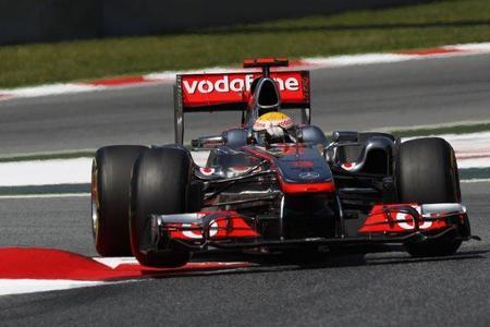 Lewis Hamilton arremete contra los pilotos de Toro Rosso