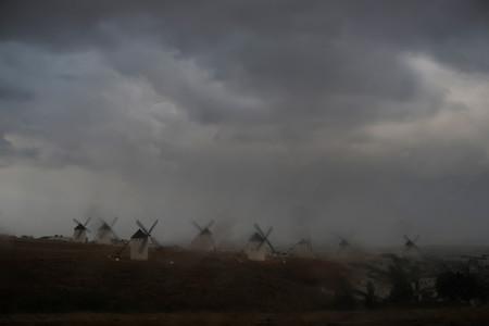 El deseo de vivir de Miguel de Cervantes visto por Navia en una exposición en Alcalá de Henares